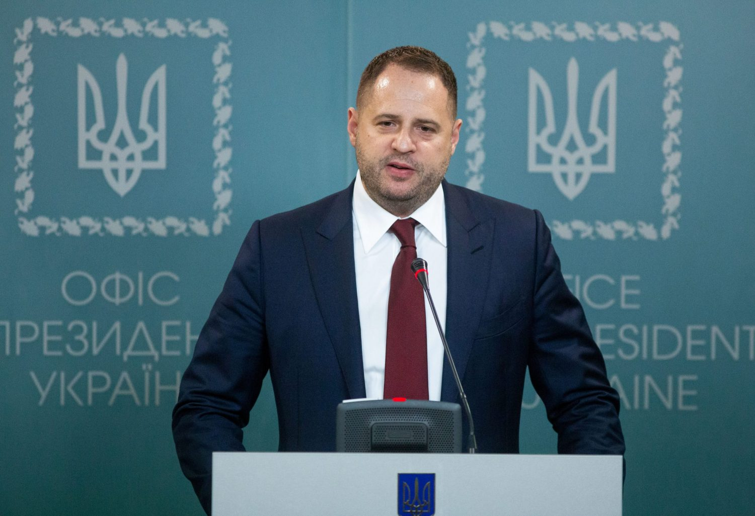 Ukraine's pro-Russian MPs plot new front with Putin